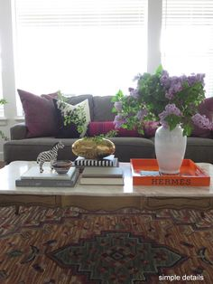 Simple Details: 3 Simple Steps for Styling a Chic Coffee Table Coffee Table Flowers, Coffee Table Rectangle, Coffee Table Styling, Decorating Coffee Tables, Lucite Tray, Valentine Bouquet, Small Glass Vases, Pile Of Books, Driven By Decor