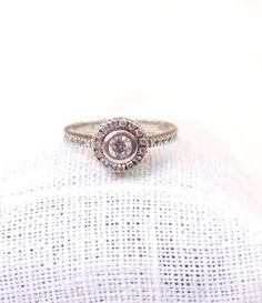 Hey, I found this really awesome Etsy listing at https://www.etsy.com/listing/215757371/vintage-14k-gold-diamond-engagement-ring