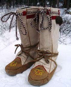 Inuit Eskimo reference boots