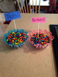 Gender Reveal Ideas Using Food Gender reveal ideas using food are so cute! Seriously such fun ways to reveal your baby's gender!Gender reveal ideas using food are so cute! Seriously such fun ways to reveal your baby's gender! Gender Reveal Food, Gender Reveal Party Games, Pregnancy Gender Reveal, Gender Reveal Party Decorations, Baby Shower Gender Reveal, Baby Reveal Party Ideas, Country Gender Reveal, Gender Reveal Cupcakes, Ideas For Gender Reveal