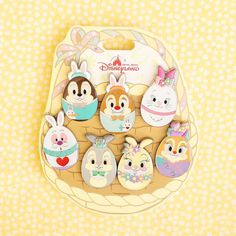 Let's hop hop hop all day, in a Sunny Bunnyland ☀️ Disney Trading Pins, Disney Pins, Disney Mickey Ears, Walt Disney, Broches Disney, Avengers Nails, Disneyland Pins, Disney Bedrooms, Tsumtsum