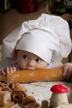 What a cute little baby baby Newborn Baby Kind, Baby Love, Beautiful Children, Beautiful Babies, House Beautiful, Little People, Little Ones, Baby Pictures, Cute Pictures