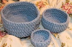 Red Hen Studios: Free crochet bowl patterns  i made these to travel with.  pack flat and keeps small things together and handy.
