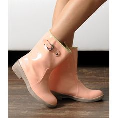 CUTE ANKLE RAIN BOOTS on The Hunt