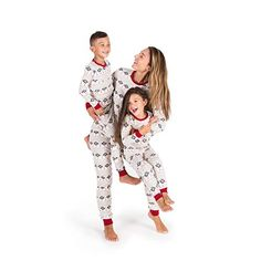 Find the best prices on Burt's Bees Baby Family Jammies, Hand Drawn Snowflakes, Holiday Matching Pajamas, Organic Cotton, Womens Medium and save money. Matching Family Christmas Pajamas, Holiday Pajamas, Matching Pajamas, Matching Outfits, Family Holiday, Bee Family, Family Pjs, Happy Christmas Day, Cozy Christmas