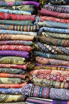 LOVE me some pashminas. I have nearly this many.....