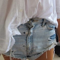 Fashion Me Now: Come Undone Fashion Me Now, Look Fashion, Passion For Fashion, Womens Fashion, Distressed Denim, Denim Shorts, Ripped Denim, Ripped Shorts, Outfits