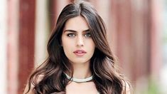Turkish Beauty, Beautiful Love, Turkish Actors, Beauty Make Up, Skin Care, Actresses, Long Hair Styles, Female, Celebrities