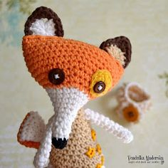 Crochet fox (and cute story of 'The Little Prince') from Magic with hook and needles. I absolutely LOVE Vendulka Maderska's designs/patterns––such talent!