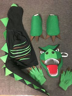 Dinosaur T-rex costume DIY Family Costumes For 4, Best Toddler Costumes, Best Celebrity Halloween Costumes, Unique Halloween Costumes, Halloween Kostüm, Diy Costumes, Costume Ideas, Creative Costumes, Costume Contest
