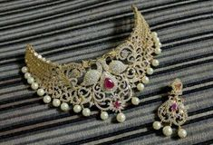 10 Top one gram gold chokers with price. Buy 1 Gram gold chokers necklace with earrings with best price. 1 Gram Gold Jewellery, Gold Jewelry, Gold Choker Necklace, Earrings, Wedding Saree Blouse Designs, Jewelry Sets, Chokers, Brooch, Jewels