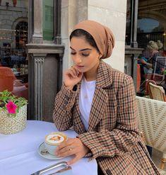 20 Amazing Women's outfit That Will Blow Your Mind! Muslim Women Fashion, Modern Hijab Fashion, Modest Fashion, Fashion Outfits, Turban Outfit, Turban Style, Mode Turban, Hijab Mode, Modest Outfits