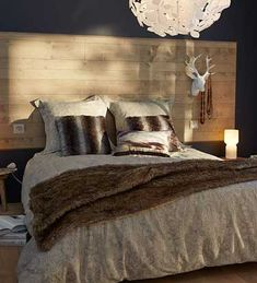 1000 images about fabriquer une t te de lit on pinterest lit palette deco and du bois. Black Bedroom Furniture Sets. Home Design Ideas