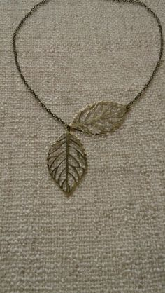 Collier feuilles
