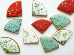 Plain Sugar cookies decorated with royal icing. Fancy Cookies, Iced Cookies, Biscuit Cookies, Cute Cookies, Royal Icing Cookies, Cupcake Cookies, Sugar Cookies, Cupcakes, Chinese New Year Cookies