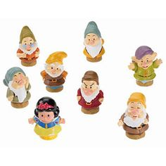 SARAH LOVES SNOW WHITE! Fisher-Price Little People Disney Princess Snow White and the Seven Dwarves Gift Set