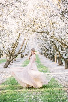 This shoot that photographers Ginny of Retrospect Images + Brooke Beasley envisioned + whipped up basically encapsulates the beauty of a romantic spring wedding, from the sweet seasonal blooms of California almond orchards to th Wedding Ceremony Ideas, Wedding Themes, Wedding Reception, Reception Ideas, Wedding Decorations, Wedding Cakes, Spring Photography, Wedding Photography, Photography Women