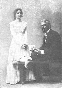 The Seagull 1898 Moscow Art Theatre. M. Roksanova as Nina and Stanislavsky as Trigorin. Also, the seagull (name note provided)