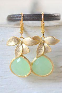 Mint drop earrings