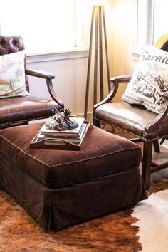 Take a tour of the tack room at Hemlock Lane Farm, belonging to Rebecca of Rebecca Ray Designs. Rustic Chic, Country Chic, Country Life, Horse Barn Plans, Equestrian Decor, Equestrian Style, Barn Apartment, Horse Show Clothes, Cozy Corner