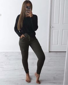 My errands outfit 🙌🏽 whole outfit from my store buy 2 items and get off CODE Source by outfits Lazy Outfits, Summer Dress Outfits, Chic Outfits, Trendy Outfits, Fashion Outfits, Womens Fashion, Errands Outfit, Casual Chic Style, Fall Winter Outfits