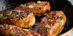 Total Time: 0:35 Prep: 0:10 Level: Easy Serves: 4 Ingredients 1/4 c. low-sodium soy sauce 3 tbsp. honey 2 cloves garlic, minced Juice of 1 lime 1 tsp. sriracha 2 tbsp. sesame oil 1 tbsp. cornstarch 1 lb. boneless skinless chicken breasts Sesame seeds, for gar nish Scallions, for garnish Directions Preheat oven to 350 …