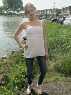#white #grass #landscape #portret #model #scouting #Volendam