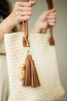 Star Stitch Purse - All About Ami - free crochet pattern
