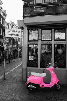 LOVE THIS!  A Thrilling Pink Vespa! #pinkmyride