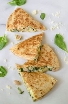 Make Ahead Breakfast Quesadilla with Cheese Spinach and White Beans via wellplated,com Frozen Breakfast, Quick Healthy Breakfast, Make Ahead Breakfast, Eat Breakfast, Breakfast Ideas, Healthy Freezer Meals, Healthy Snacks, Easy Meals, Eat Healthy