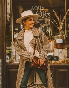 Likes, 328 Comments - Alex Pereira Plaid Outfits, Casual Outfits, Office Outfits, Fall Winter Outfits, Autumn Winter Fashion, Plaid Fashion, Womens Fashion, Fashion Capsule, Cute Jackets