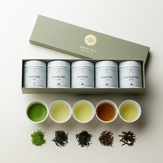 Ippodo Tea Co. has been providing the highest quality of Japanese green tea for nearly 3 centuries which located in the heart of Kyoto. Before we've designed their tea packages Spices Packaging, Food Packaging Design, Coffee Packaging, Packaging Design Inspiration, Tee Design, Design Art, Graphic Design, Tea Japan, Tea Brands