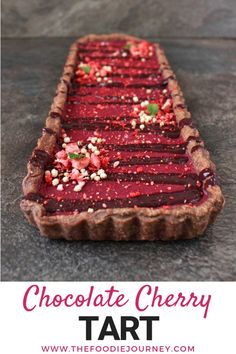 Looking for an epic Holiday Dessert? Try this Chocolate Cherry Tart! The homemade cacao shortcrust pastry is filled with a delicious cherry curd and topped with a cacao cherry drizzle. This tart recip Chocolate Cherry, Homemade Chocolate, Chocolate Desserts, Easy Desserts, Delicious Desserts, Delicious Chocolate, Cacao Chocolate, Chocolate Tarts, Chocolate Pastry