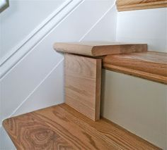 Great DIY tutorial for replacing carpet on stairs with wood. Great DIY tutorial for replacing carpet on stairs with wood. I think I could SO do this & make a huge improvement in our staircase. And Home Improvement Home Improvement Projects, Home Projects, Tutorial Diy, Staircase Makeover, Refinish Staircase, Redoing Stairs, Stair Redo, Staircase Diy, White Staircase