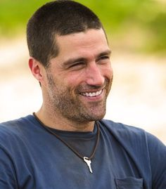 """Matthew Fox on the set of Lost Matthew Fox, Lost, T 4, Behind The Scenes, Tv Shows, Actors, Geek, Facebook, Watch"