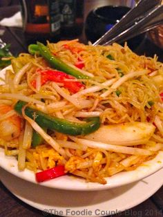 Sinagapore noodles - craving some of these now from @centralcy