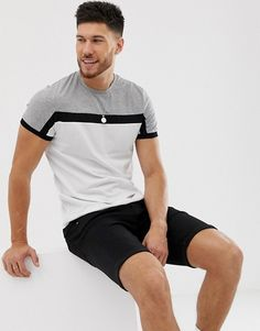 Page 5 - Discover men's t-shirts and vests at ASOS. Shop from plain, printed and long sleeve t-shirts and vests to longline and oversized styles with ASOS. Mens Sweatshirts, Mens Tees, Gents T Shirts, Cool Shirt Designs, Polo Shirt, Tee Shirts, Camisa Polo, Mens Clothing Styles, Men Casual