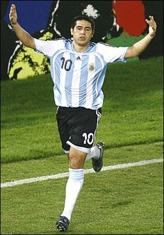 Juan Roman Riquelme Argentina Football Team, Argentina Soccer, Football Cards, Football Soccer, The Good Son, Argentina National Team, Professional Soccer, Sports Clubs, Yesterday And Today