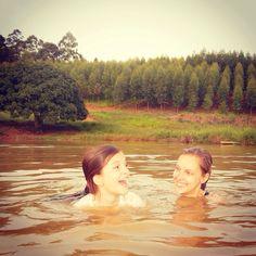 Banho de lagoa! Fotografia tirada na fazenda.
