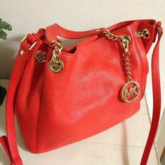 Michael Kors Handbags Find the latest styles in Bags from Michael Kors.