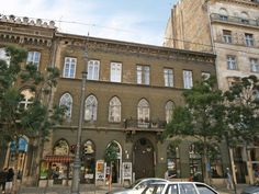 Budapest Small Boulevard 2 Bedroom Apartment Hungary, Europe Small Boulevard 2 Bedroom Apartment is conveniently located in the popular 05. City Center - Belváros area. The hotel offers a high standard of service and amenities to suit the individual needs of all travelers. Service-minded staff will welcome and guide you at the Small Boulevard 2 Bedroom Apartment. All rooms are designed and decorated to make guests feel right at home, and some rooms come with locker, mirror, so...