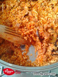 Receta de Bulgur Rojo Meloso con Seitán e Hinojo. Haz click en la foto para ir a la receta. #vegano #vegan #veganrecipes #recetasveganas #organicrecipes #recetasecologicas #sinhuevo #eggfree #sinleche #dairyfree #veganfood #whatveganseat #comevegano #comeecologico #comebio #elgranerointegral #whatveganscook #vegansofig #organic #food #organicfood #comidaecologica #elgranerointegral #bulgur
