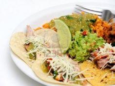 Receta de Tacos con Tortilla de Harina de Cerdo en Salsa Verde