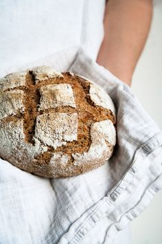 sourdough rye bread//