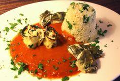 Amor&Kartoffelsack: Gemüse-Schafskäse-Röllchen in Tomatensugo mit Couscous