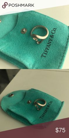 Tiffany Elsa Peretti Open Heart ring Needs to be polished but otherwise in good condition. Tiffany & Co. Jewelry Rings