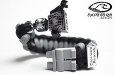 Black Suit Spiderman Minifigure Bracelet – Cape Cord Paracord