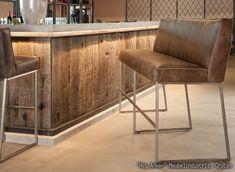 Geborstelde oud eiken wagonplanken, prachtig hout voor het realiseren van een bar.