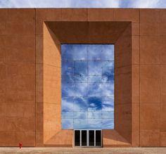 Ricardo Bofill, School of Industrial Management, 2011. Location: Benguerir, Morocco © Lluis Carbonell