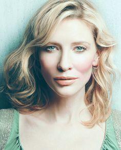 Cate Blanchett by unknown Photographer Cate Blanchett, Beautiful People, Beautiful Women, Australian Actors, Head & Shoulders, Light Hair, Kate Beckinsale, Nicole Kidman, Sandra Bullock